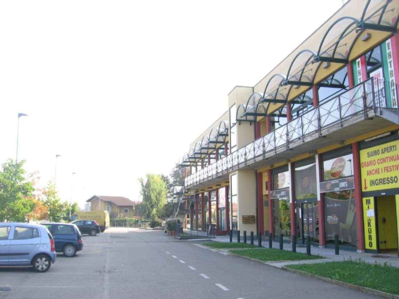 Negozio / Locale in vendita a Rescaldina, 6 locali, prezzo € 726.000 | Cambio Casa.it