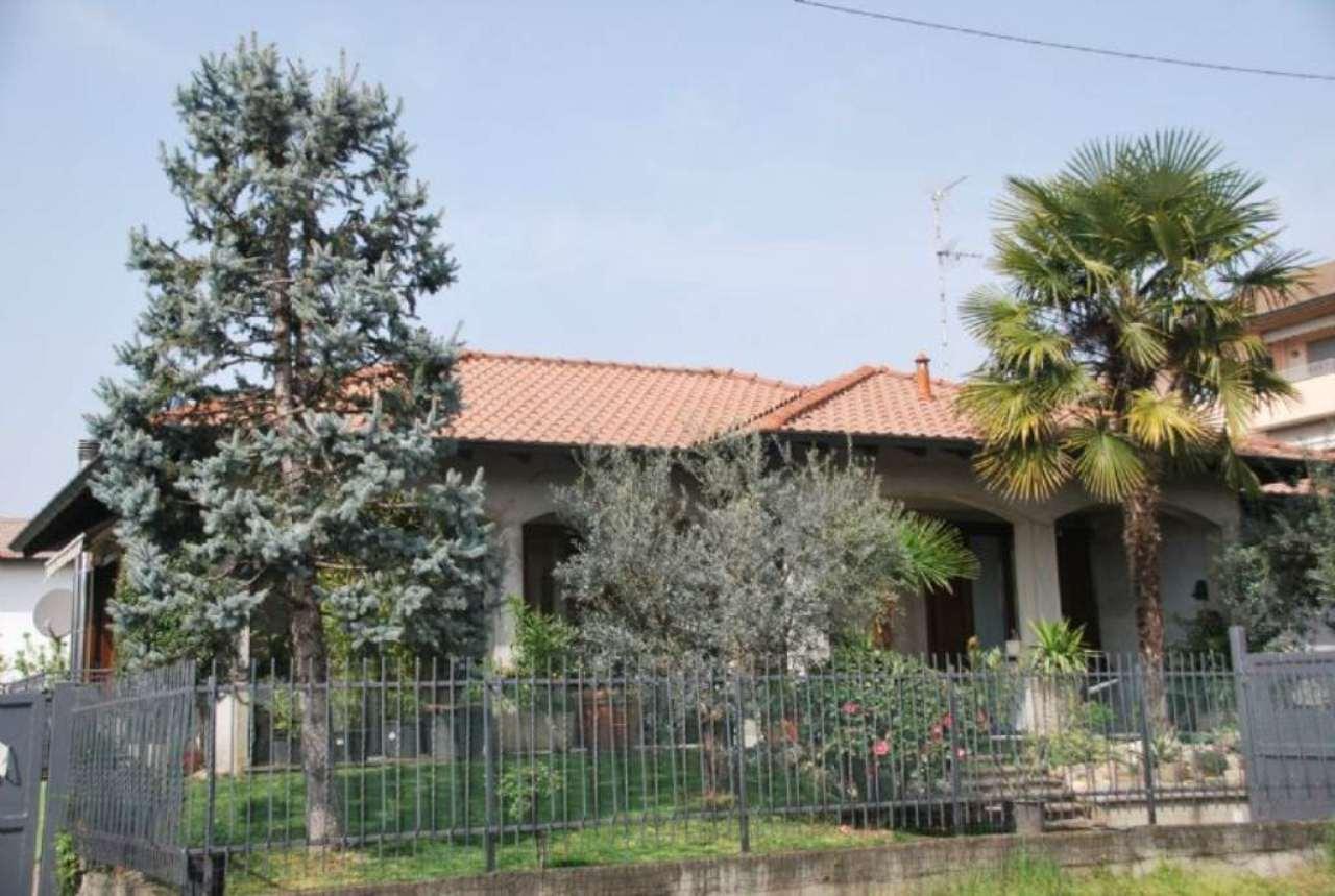 Villa in vendita a San Giorgio su Legnano, 5 locali, prezzo € 470.000 | Cambio Casa.it