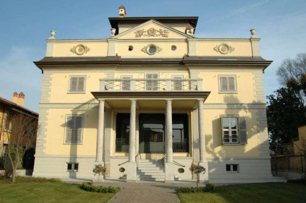 Villa in vendita a Buscate, 8 locali, prezzo € 1.280.000 | Cambio Casa.it