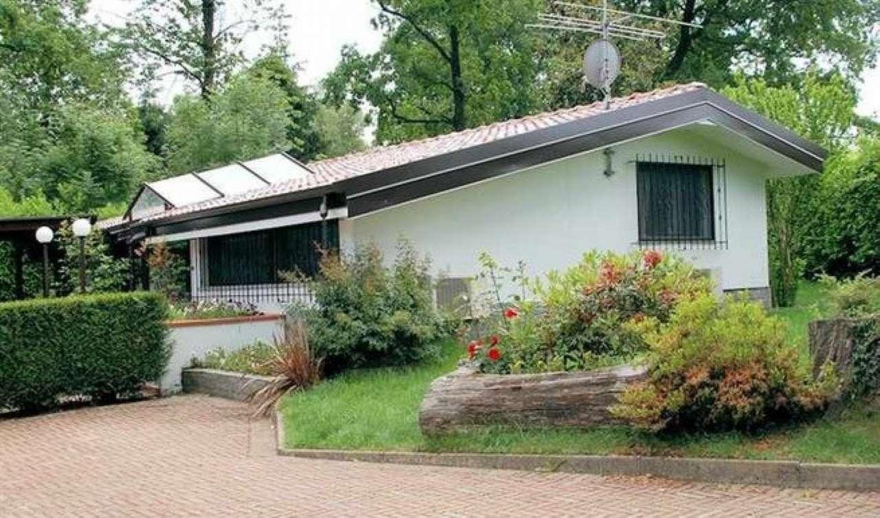 Villa in vendita a Veruno, 4 locali, prezzo € 290.000 | Cambio Casa.it