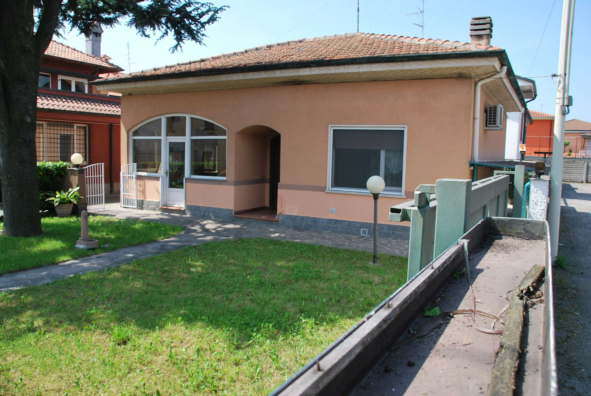 Villa in vendita a Canegrate, 3 locali, prezzo € 210.000 | CambioCasa.it