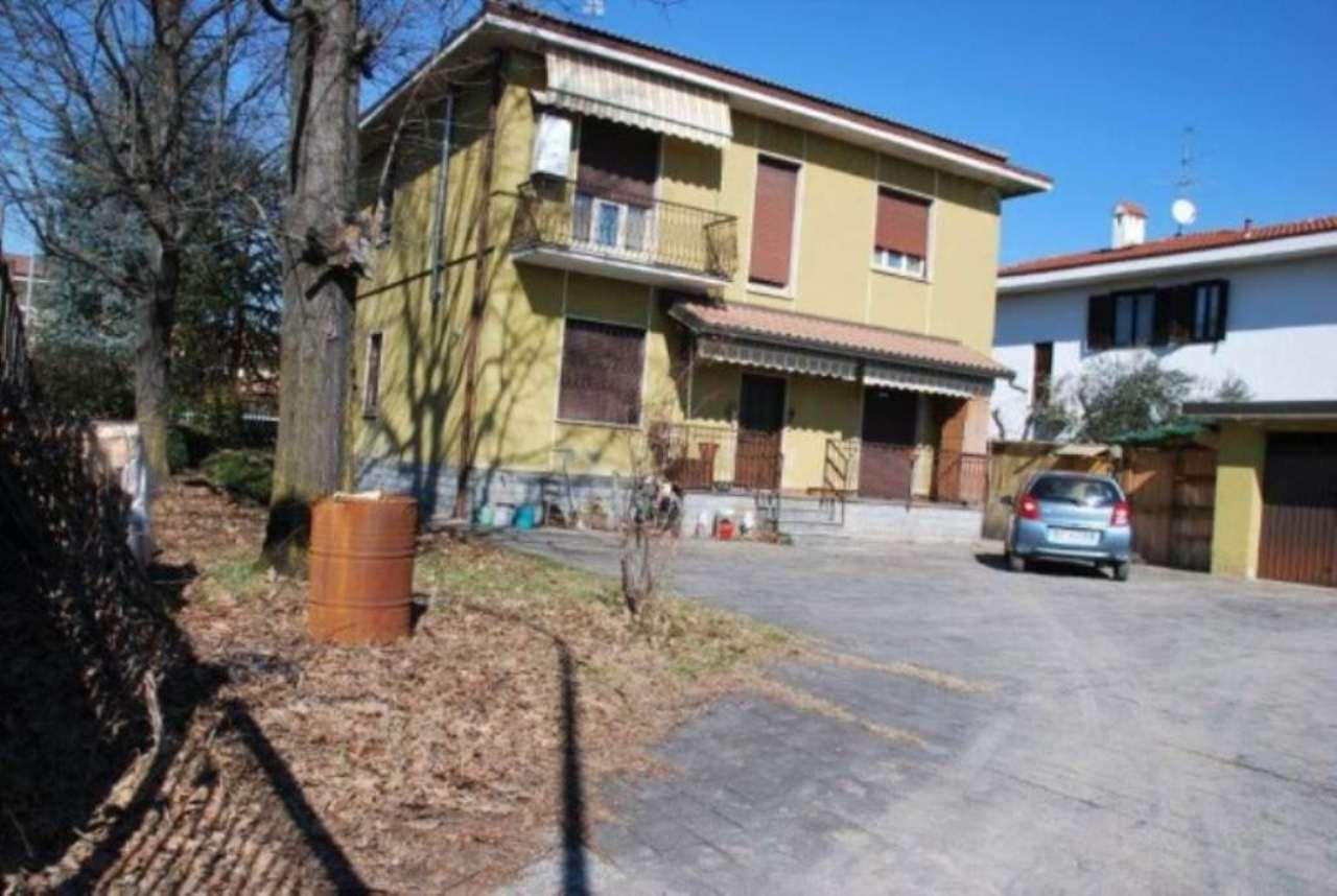 Villa in vendita a San Giorgio su Legnano, 6 locali, prezzo € 350.000 | Cambio Casa.it