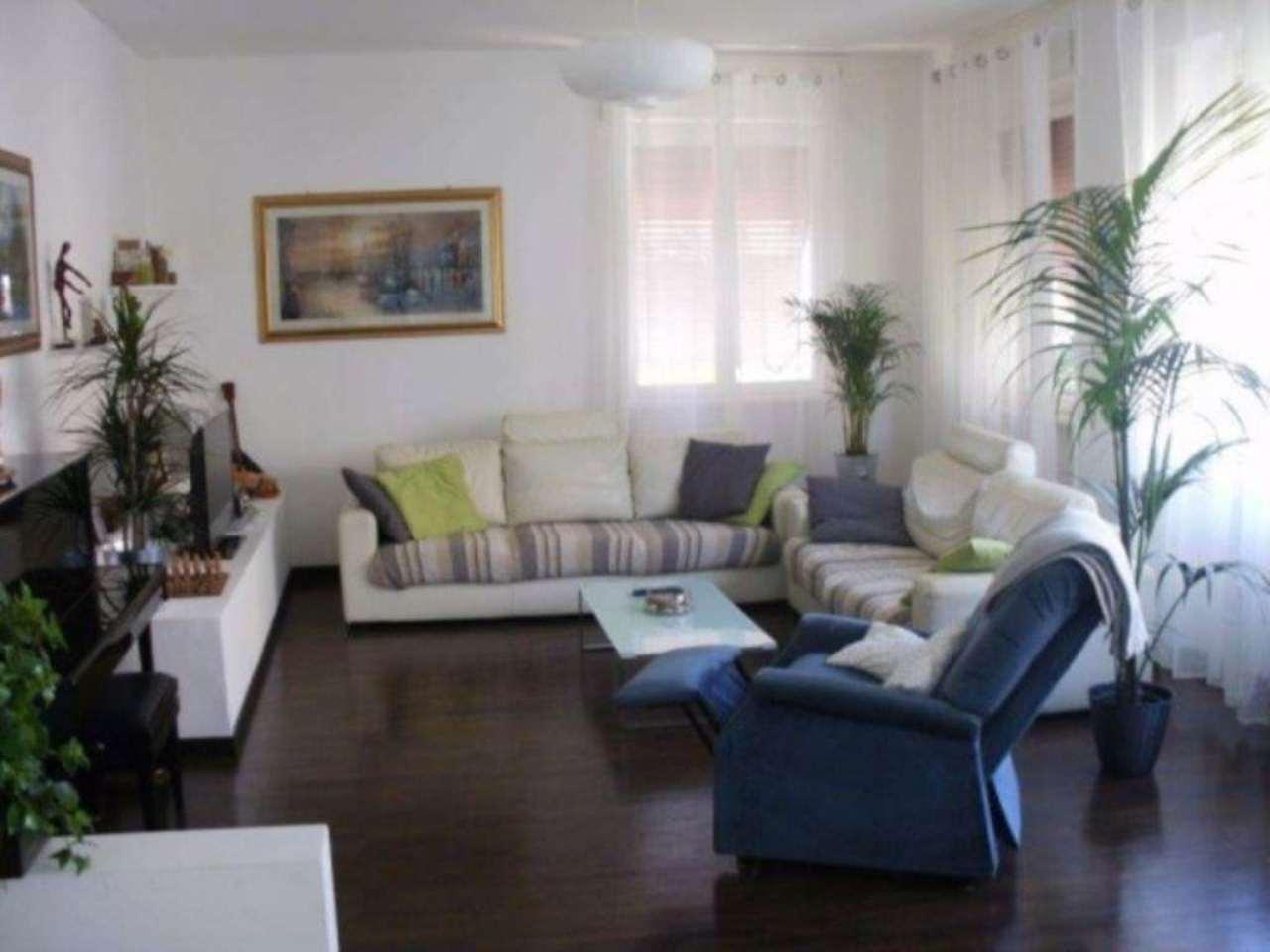 Villa in vendita a Cerro Maggiore, 6 locali, prezzo € 267.000 | Cambio Casa.it