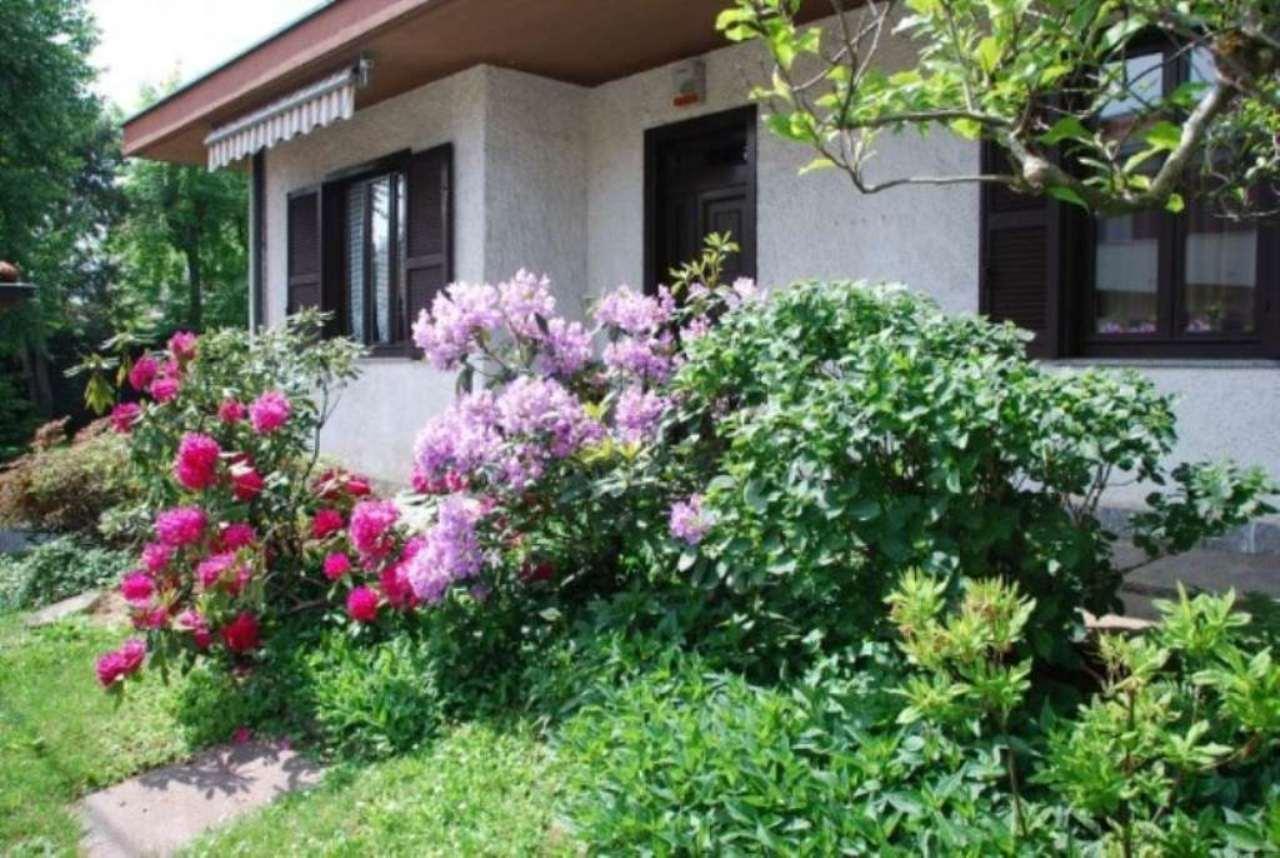 Villa in vendita a Legnano, 4 locali, prezzo € 495.000 | CambioCasa.it