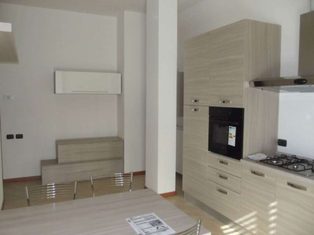 Appartamento in affitto a Pero, 2 locali, prezzo € 600 | Cambio Casa.it