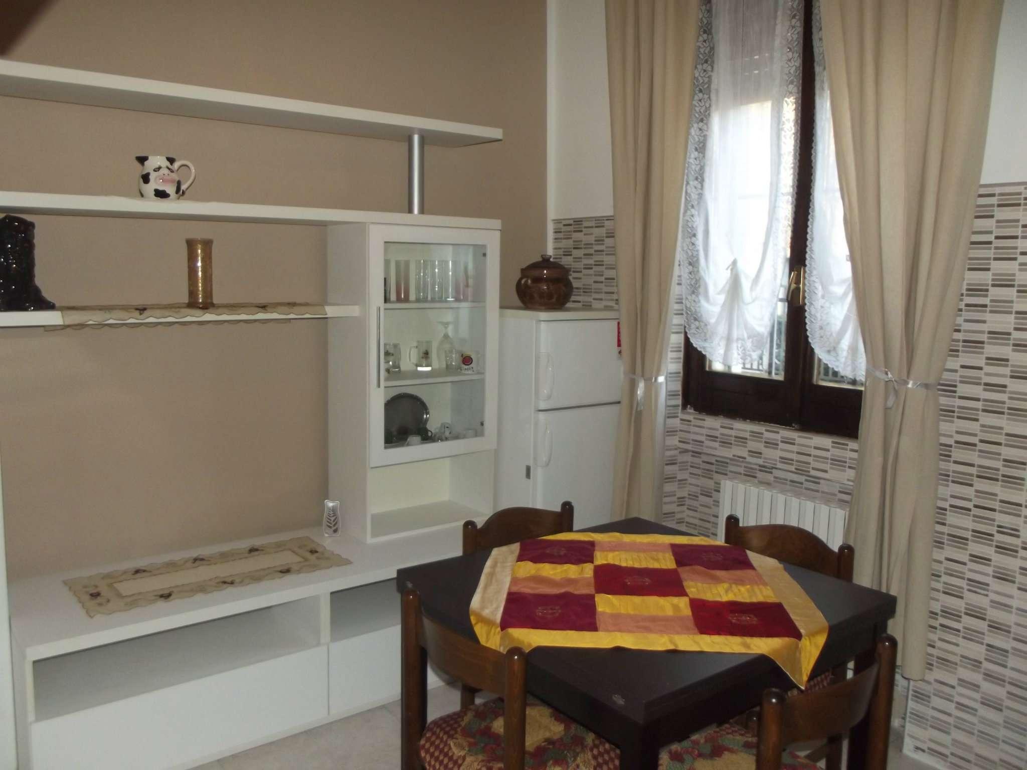 Appartamento in affitto a Pero, 2 locali, prezzo € 550 | Cambio Casa.it