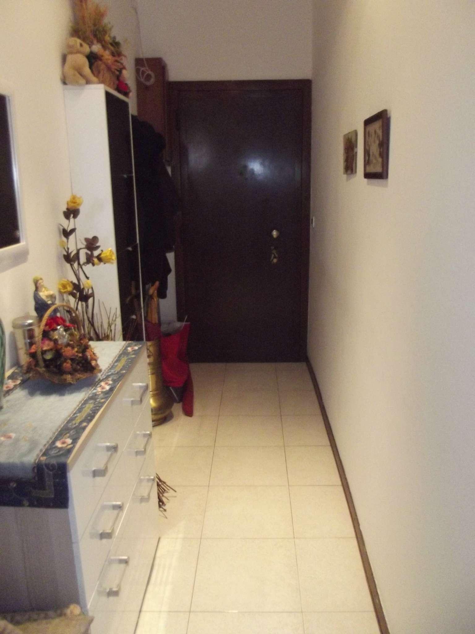 Appartamento in affitto a Pero, 2 locali, prezzo € 650 | CambioCasa.it