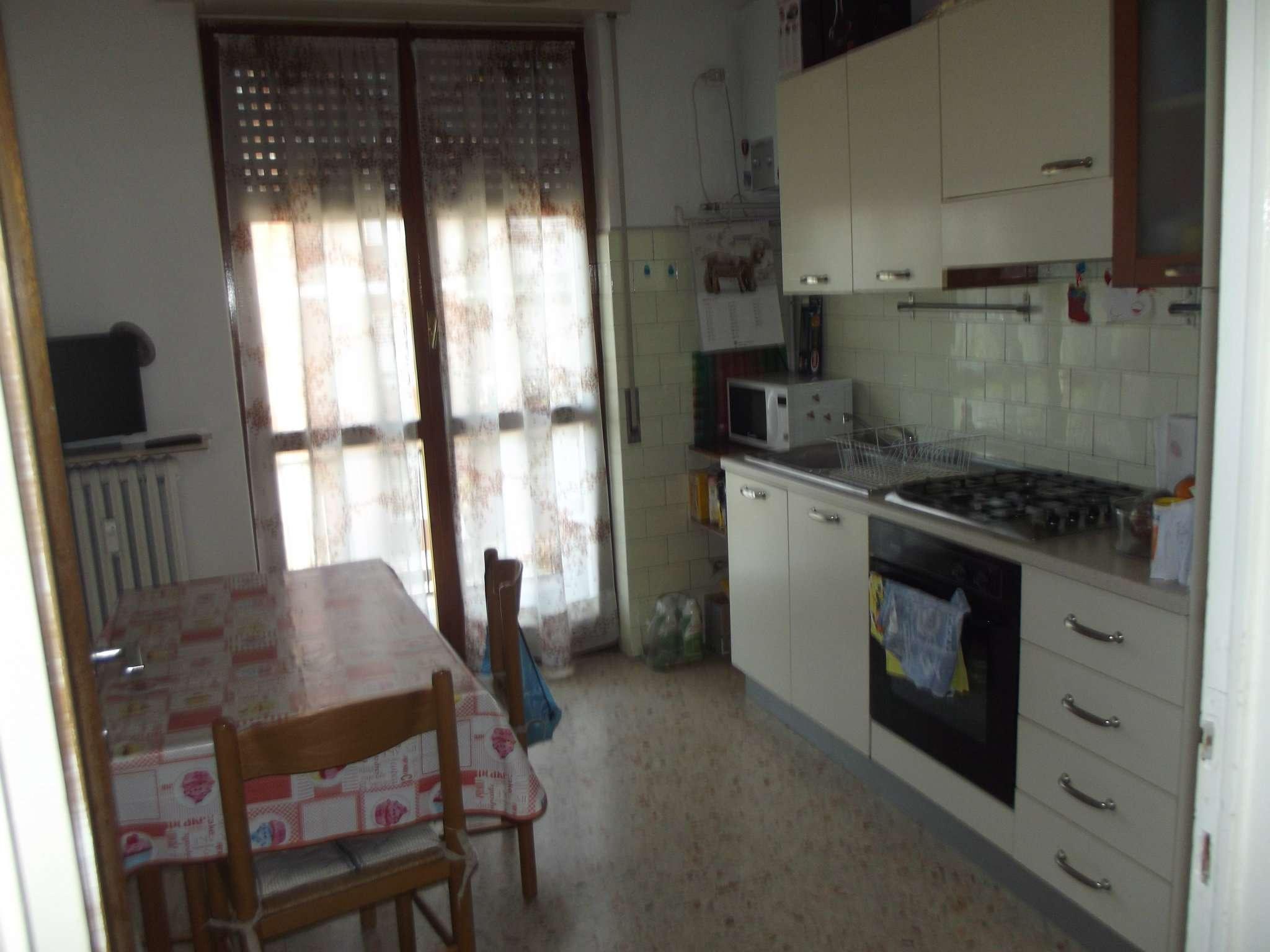 Appartamento in affitto a Pero, 2 locali, prezzo € 550 | CambioCasa.it