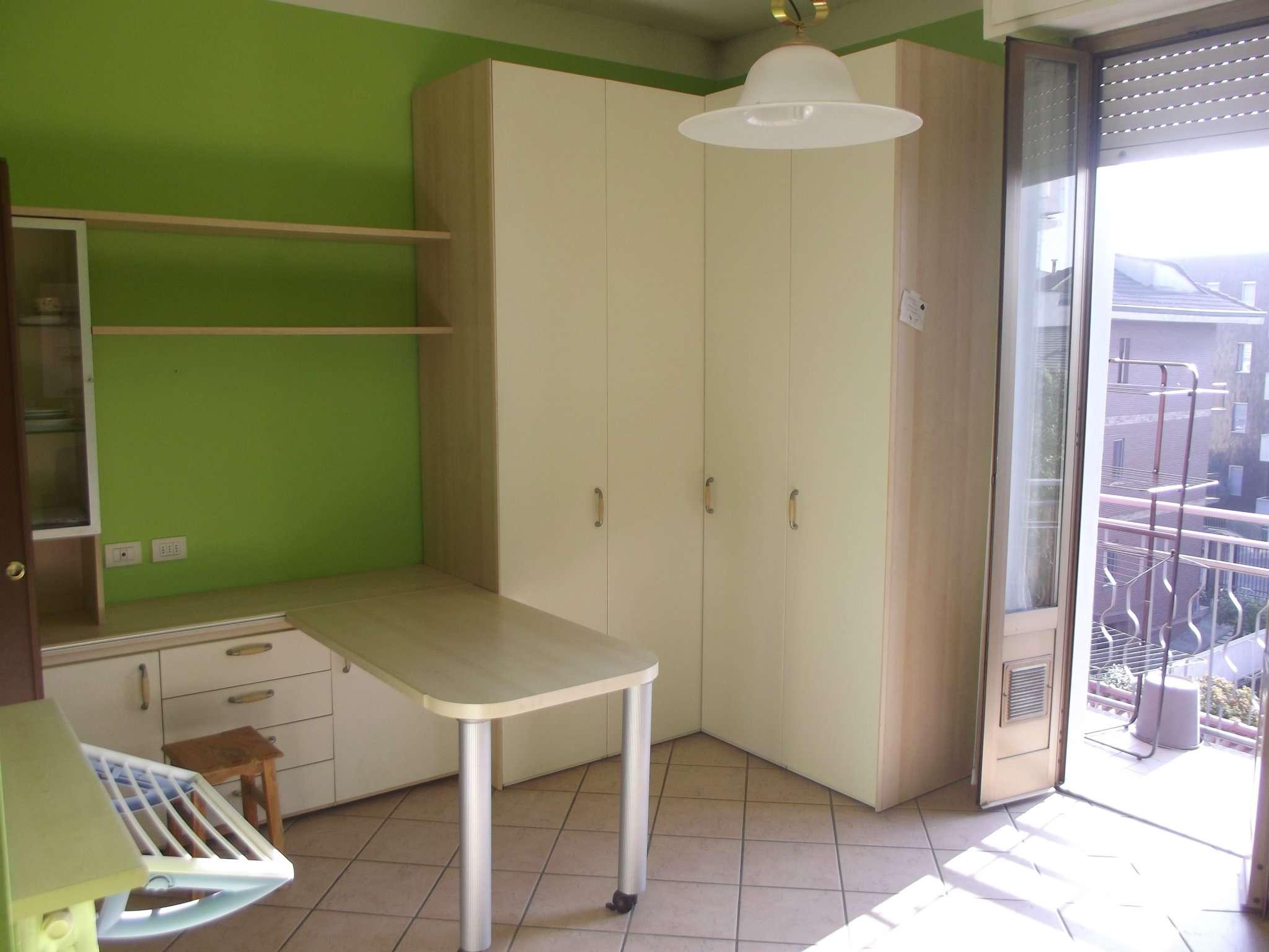 Appartamento in affitto a Pero, 1 locali, prezzo € 450 | CambioCasa.it