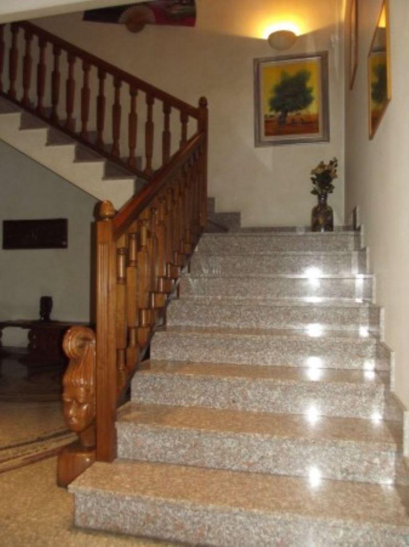 Villa in vendita a Pero, 6 locali, prezzo € 800.000 | Cambio Casa.it