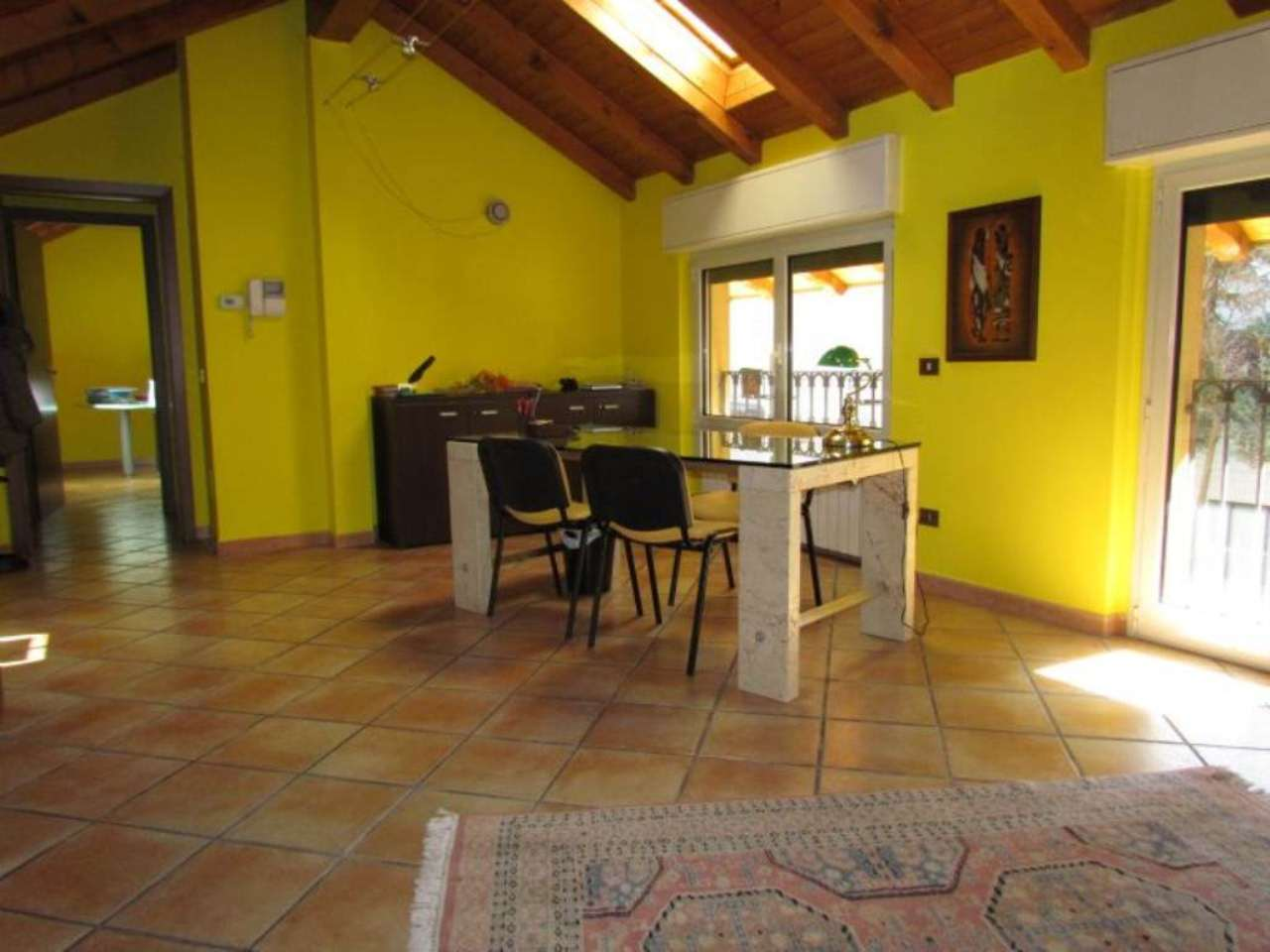 Ufficio / Studio in affitto a Tradate, 2 locali, prezzo € 625 | CambioCasa.it