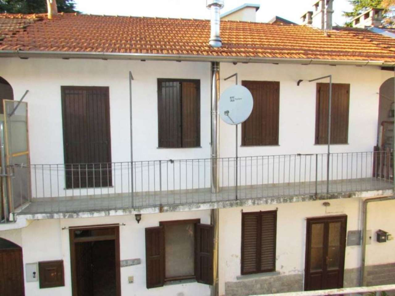 Appartamento in vendita a Tradate, 2 locali, prezzo € 95.000 | Cambio Casa.it