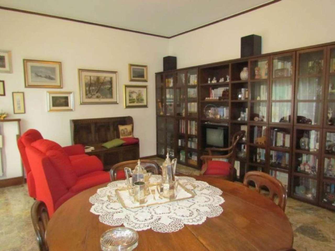 Appartamento in vendita a Tradate, 3 locali, prezzo € 125.000 | Cambio Casa.it