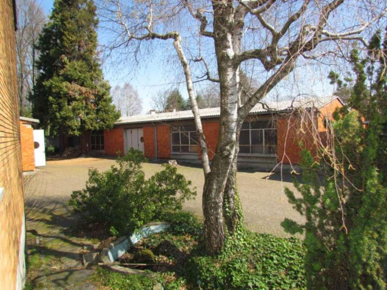 Laboratorio in vendita a Vedano Olona, 2 locali, prezzo € 380.000 | Cambio Casa.it