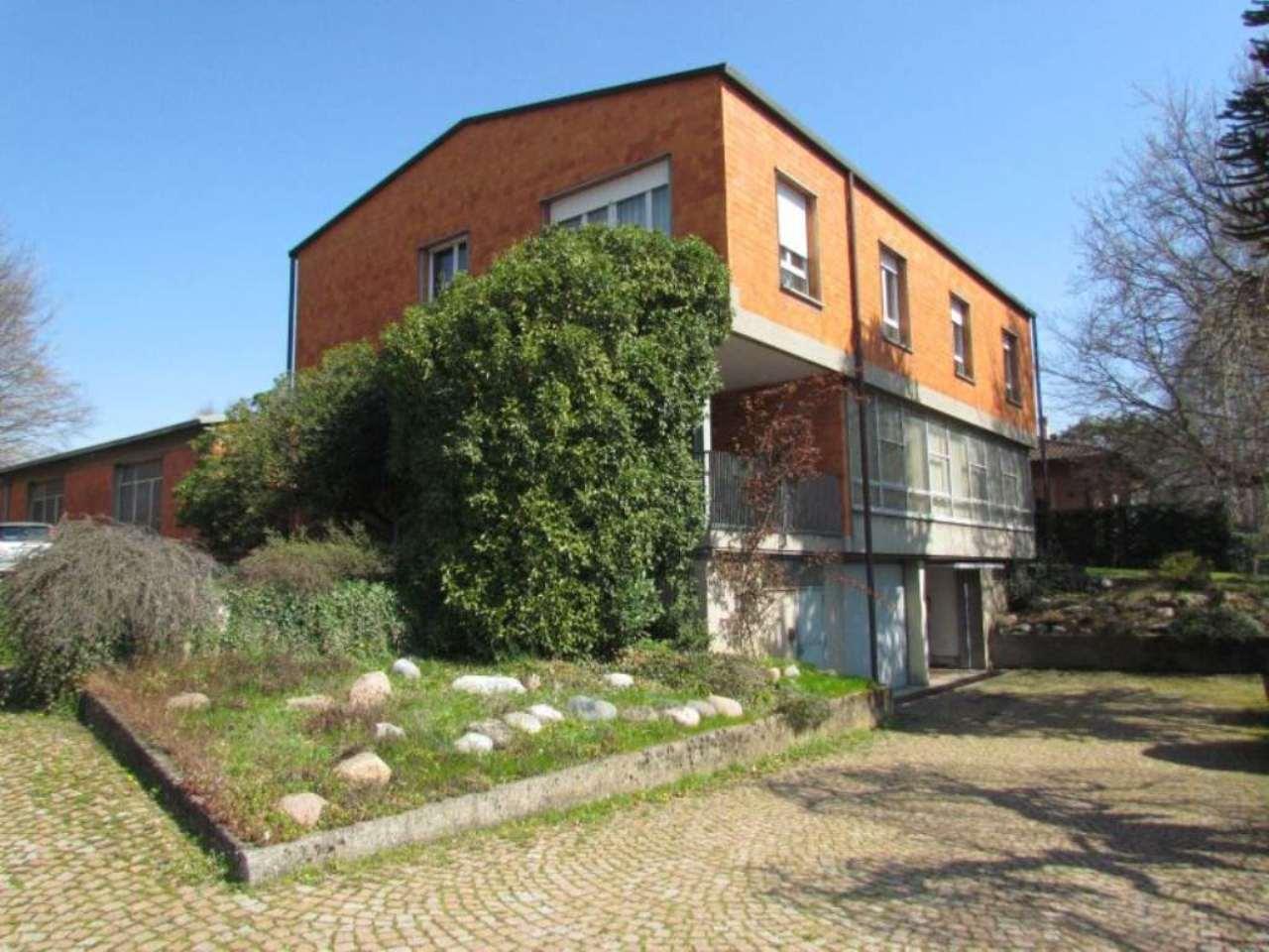 Ufficio / Studio in vendita a Vedano Olona, 8 locali, prezzo € 340.000 | Cambio Casa.it