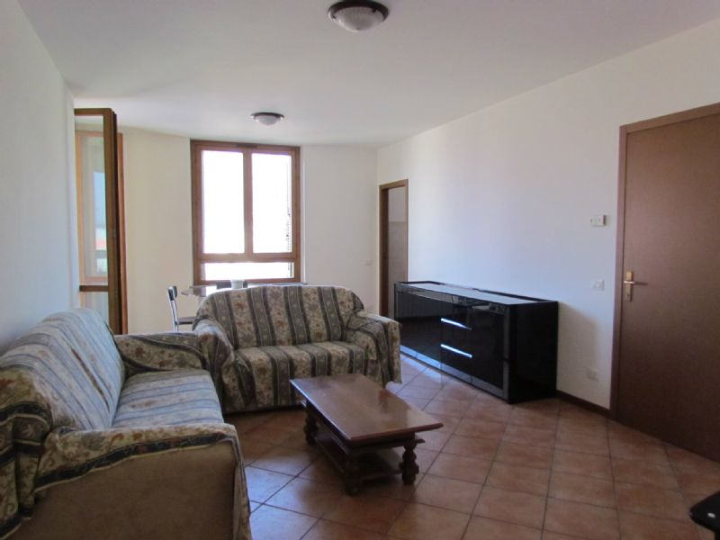 Appartamento in affitto a Tradate, 3 locali, prezzo € 550 | Cambio Casa.it