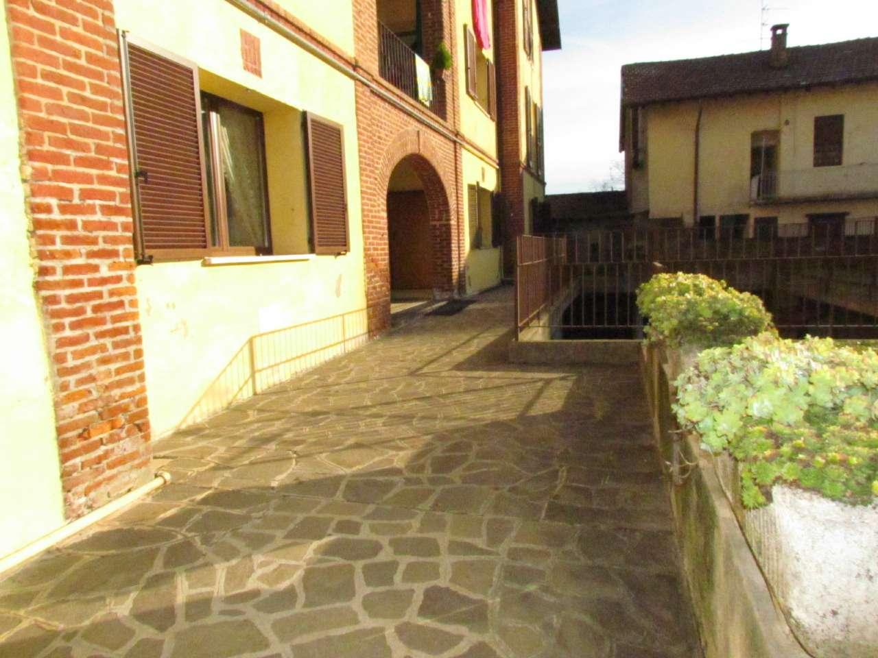 Appartamento in vendita a Gornate-Olona, 3 locali, prezzo € 75.000 | CambioCasa.it