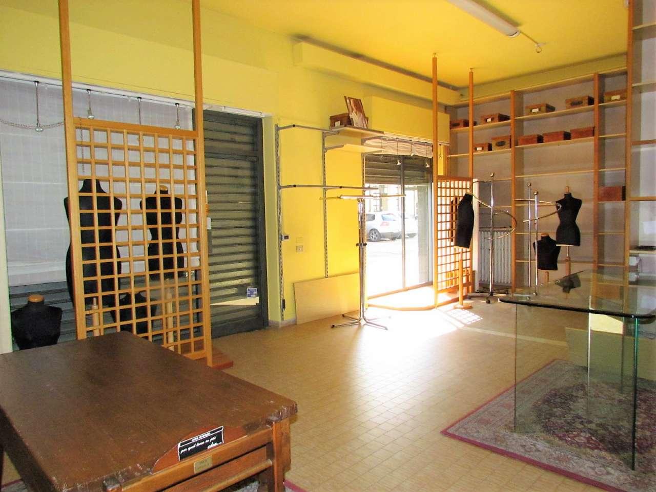 Negozio / Locale in affitto a Tradate, 1 locali, prezzo € 667 | CambioCasa.it