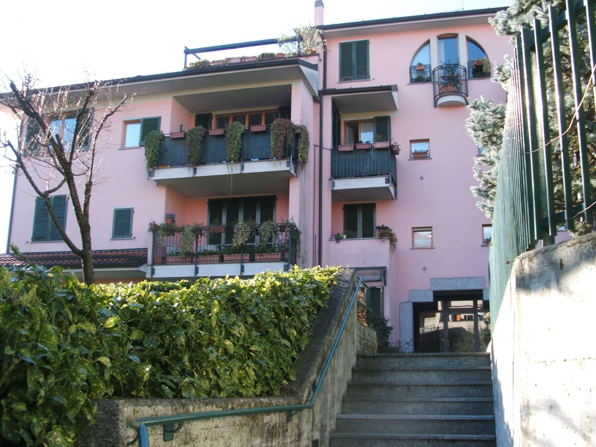 Appartamento in affitto a Tradate, 3 locali, prezzo € 750 | CambioCasa.it