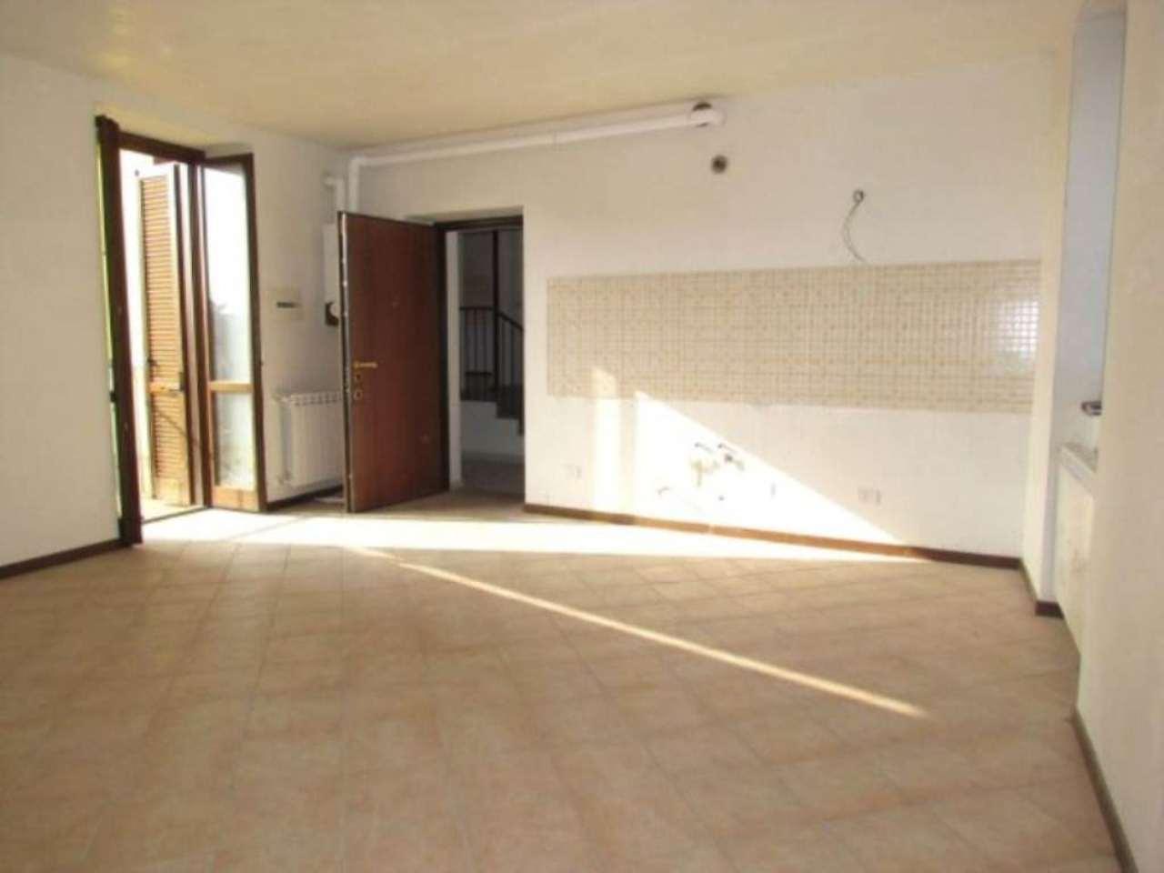 Appartamento in vendita a Lonate Ceppino, 3 locali, prezzo € 155.000 | Cambio Casa.it