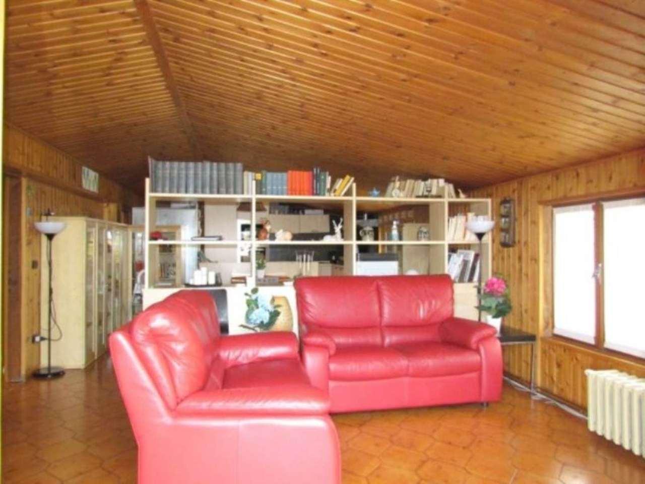 Appartamento in vendita a Tradate, 3 locali, prezzo € 95.000   Cambio Casa.it