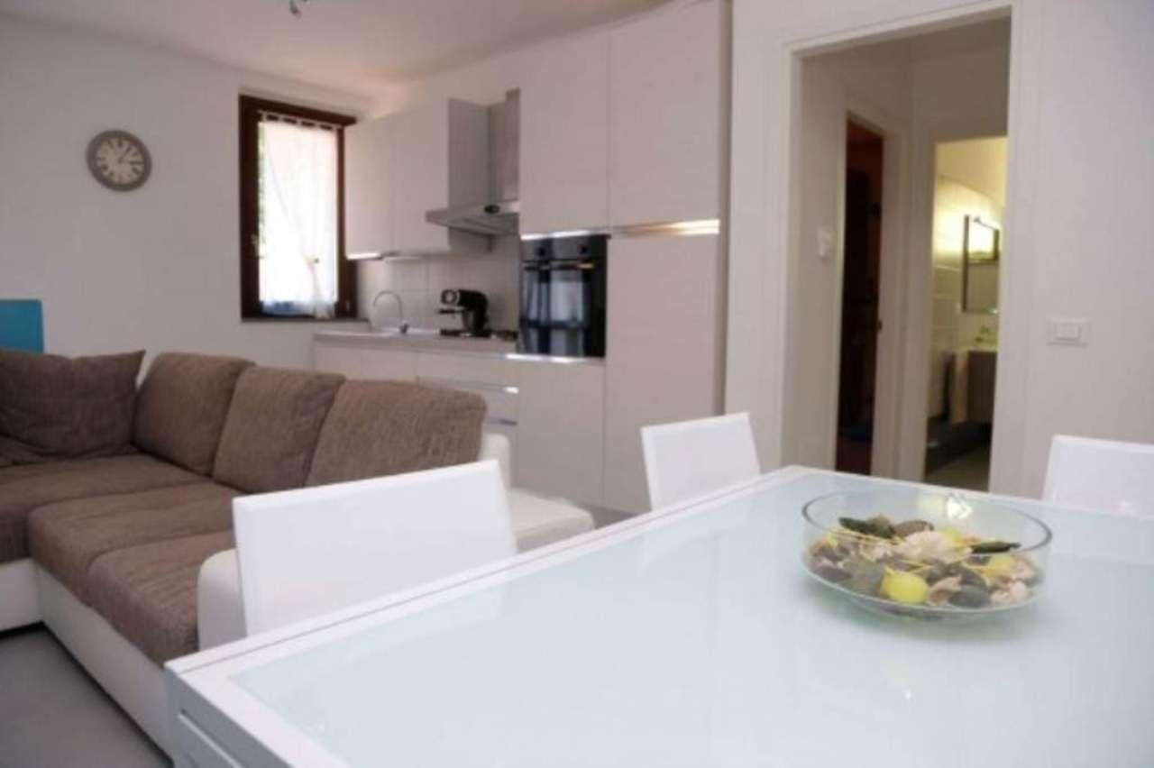 Appartamento in vendita a Tradate, 2 locali, prezzo € 100.000 | CambioCasa.it