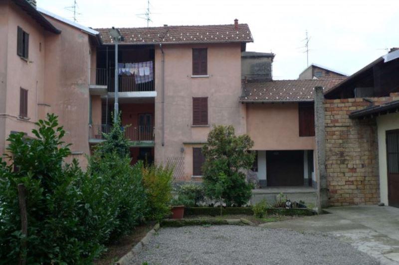 Soluzione Indipendente in vendita a Lonate Ceppino, 6 locali, prezzo € 95.000 | Cambio Casa.it