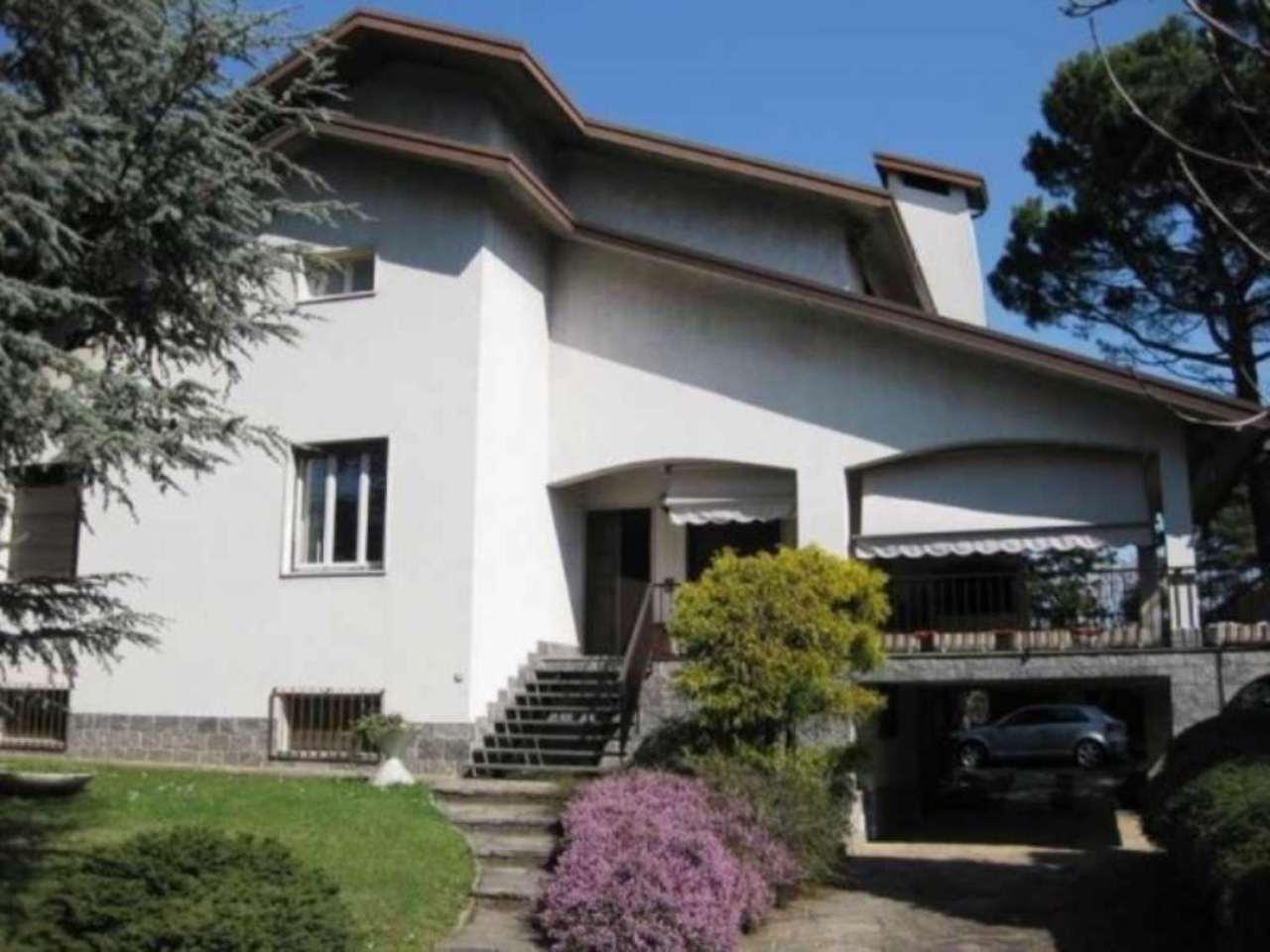 Villa in vendita a Carbonate, 6 locali, prezzo € 370.000 | Cambio Casa.it