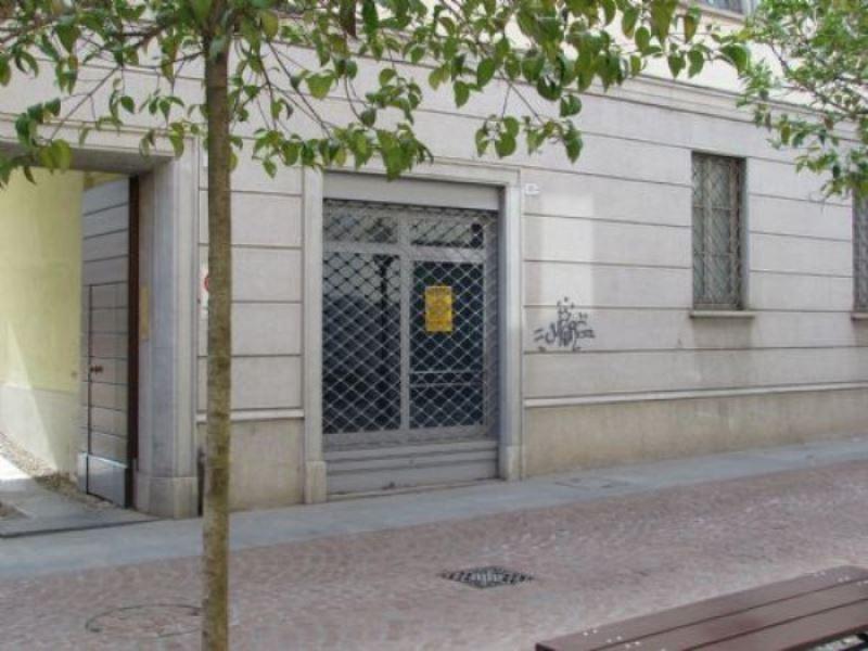 Negozio / Locale in affitto a Tradate, 2 locali, prezzo € 434 | Cambio Casa.it