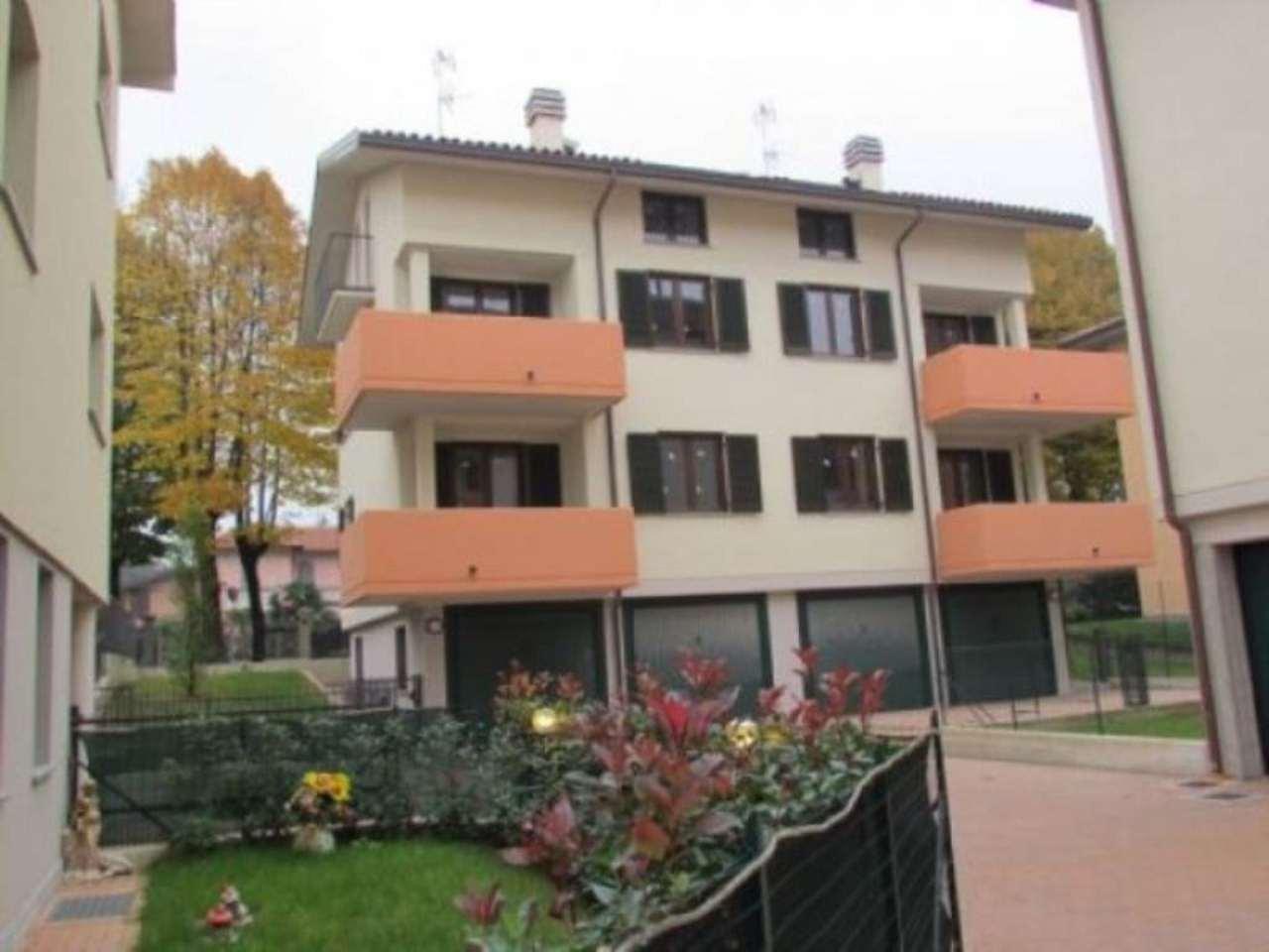 Soluzione Indipendente in vendita a Tradate, 5 locali, prezzo € 335.000 | Cambio Casa.it