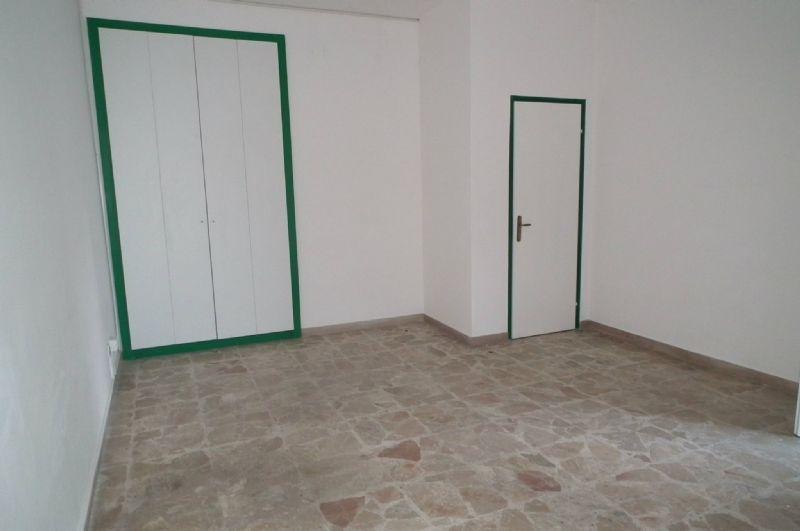Magazzino in affitto a Siracusa, 2 locali, prezzo € 420 | Cambio Casa.it
