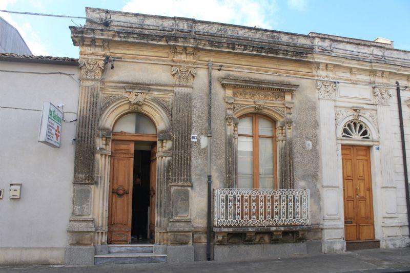 Soluzione Indipendente in vendita a Canicattini Bagni, 4 locali, prezzo € 44.000 | CambioCasa.it