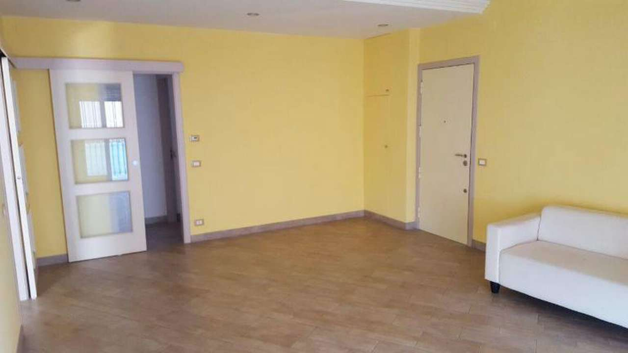 Appartamento in vendita a Aci Castello, 4 locali, prezzo € 215.000 | CambioCasa.it