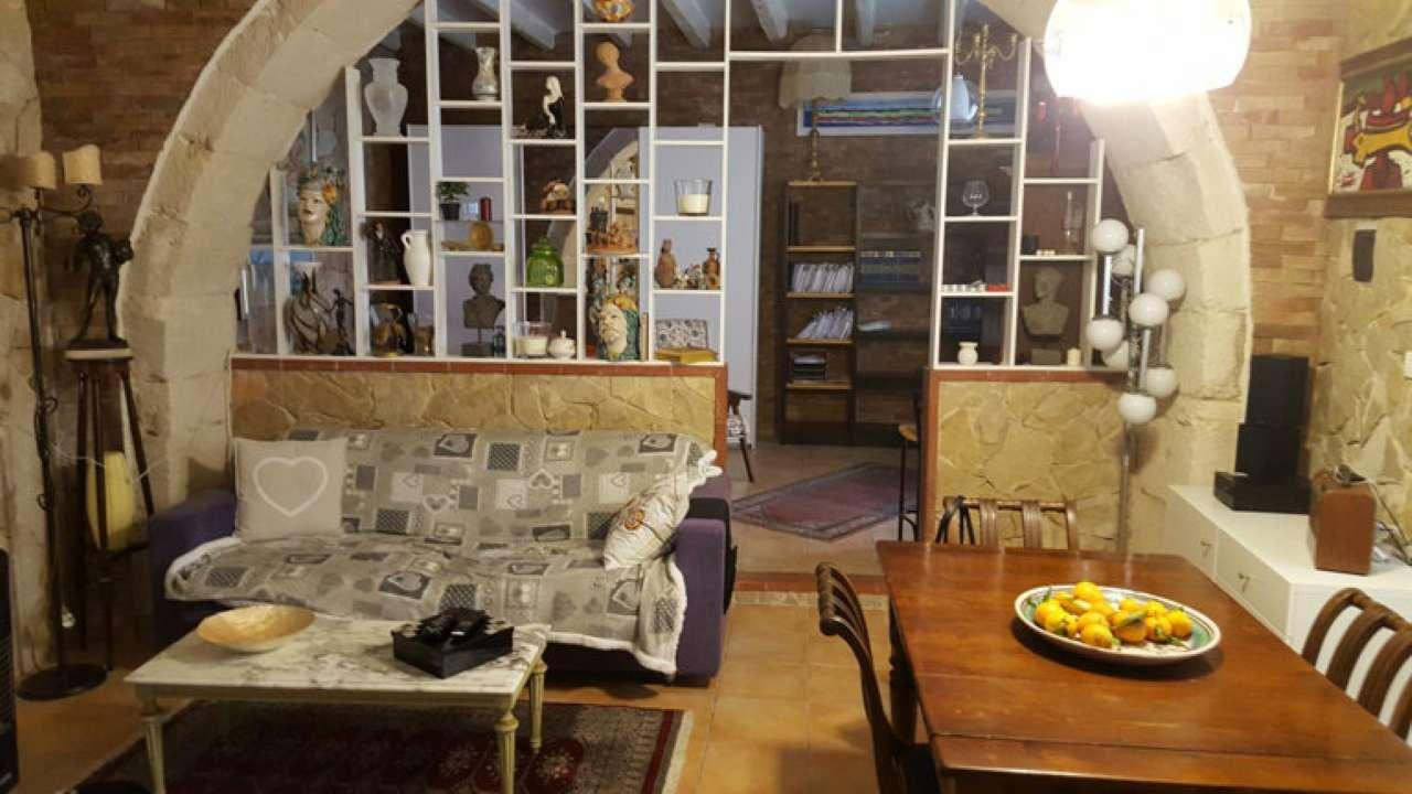 Loft / Openspace in vendita a Siracusa, 2 locali, prezzo € 160.000 | Cambio Casa.it