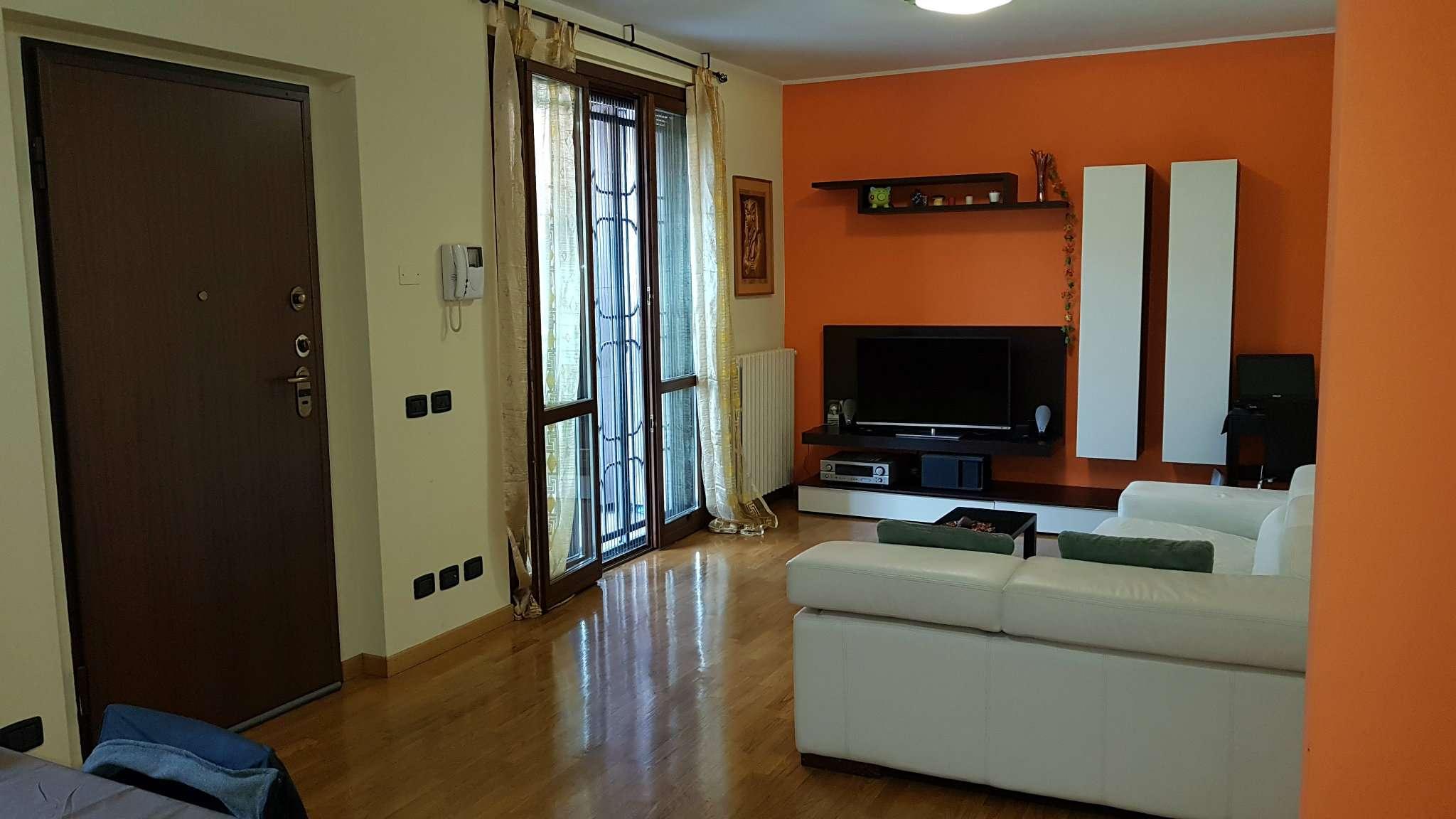 Appartamento in vendita 2 vani 88 mq.  via Caldera 129 Milano