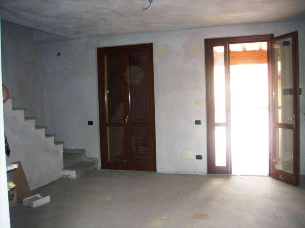 Villa in vendita a Brignano Gera d'Adda, 3 locali, prezzo € 140.000 | Cambio Casa.it
