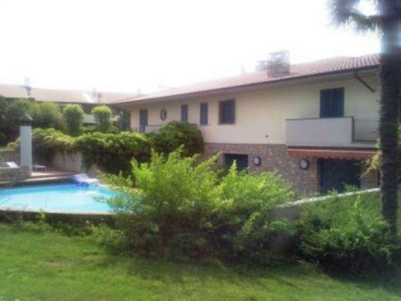Villa in vendita a Romano di Lombardia, 5 locali, Trattative riservate | CambioCasa.it