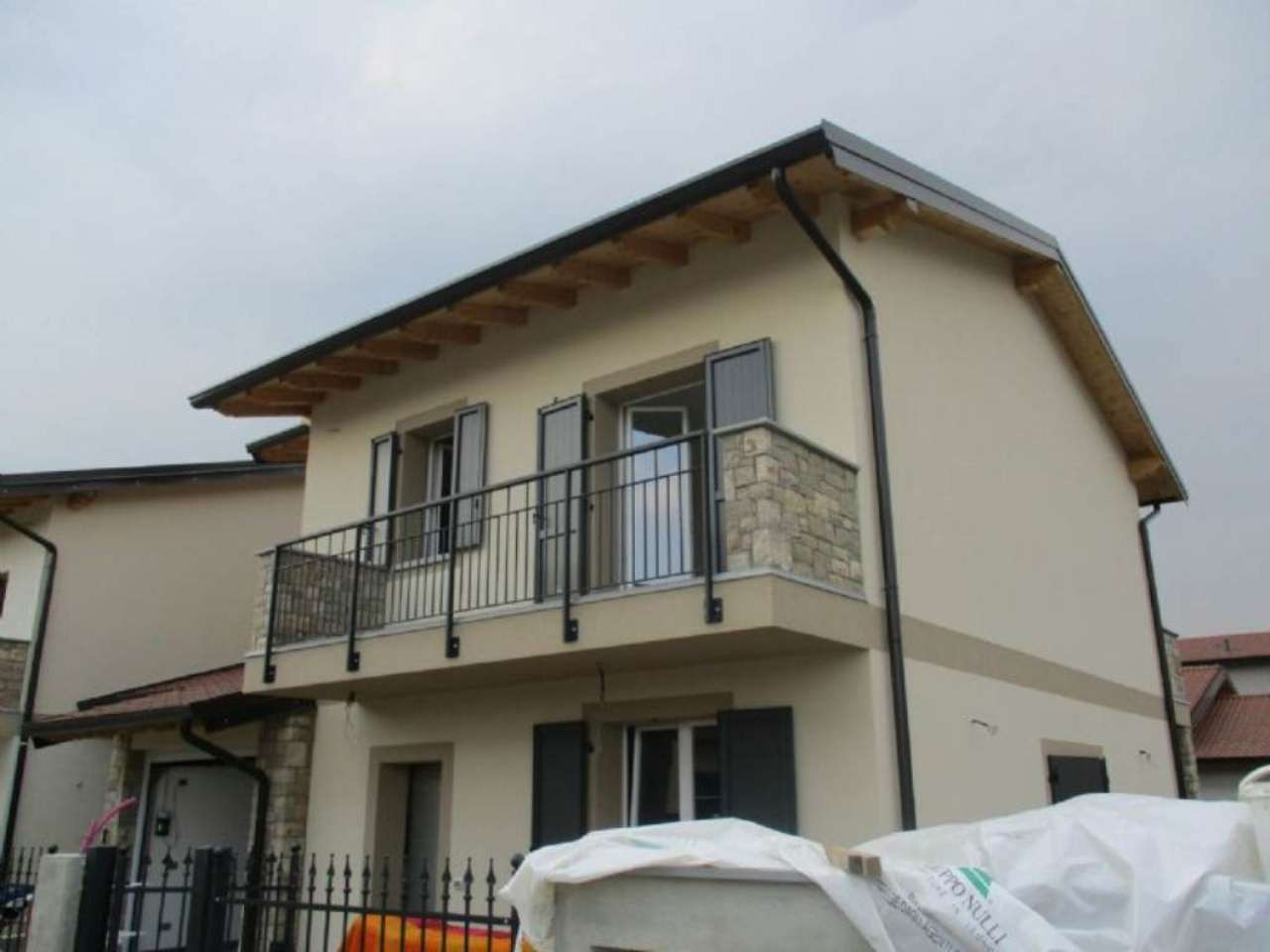 Appartamento in vendita a Mozzanica, 3 locali, prezzo € 178.000 | Cambio Casa.it