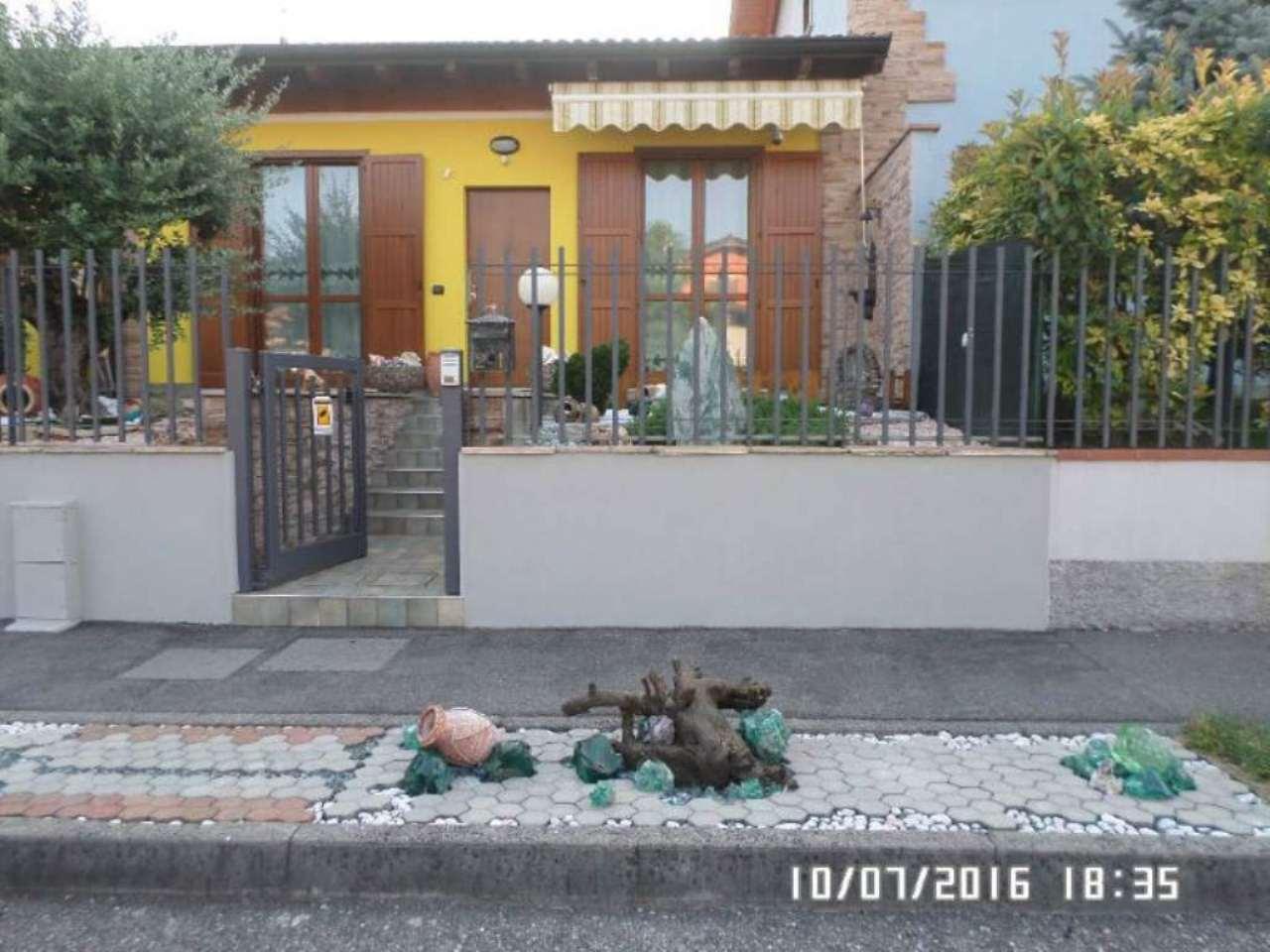 Villa a Schiera in vendita a Romano di Lombardia, 3 locali, prezzo € 215.000   Cambio Casa.it