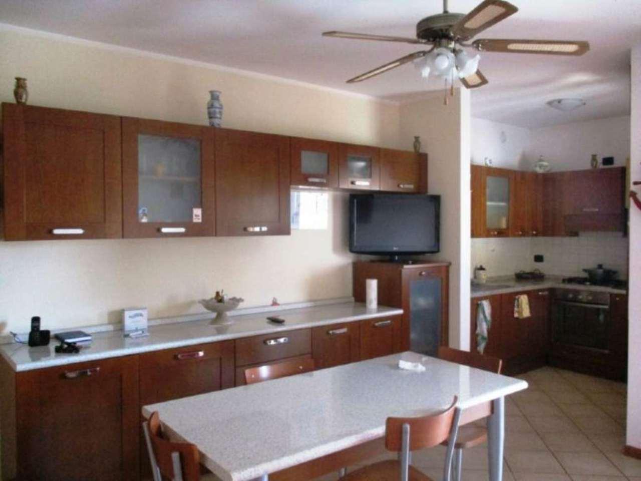 Appartamento in vendita a Mozzanica, 4 locali, prezzo € 110.000 | Cambio Casa.it