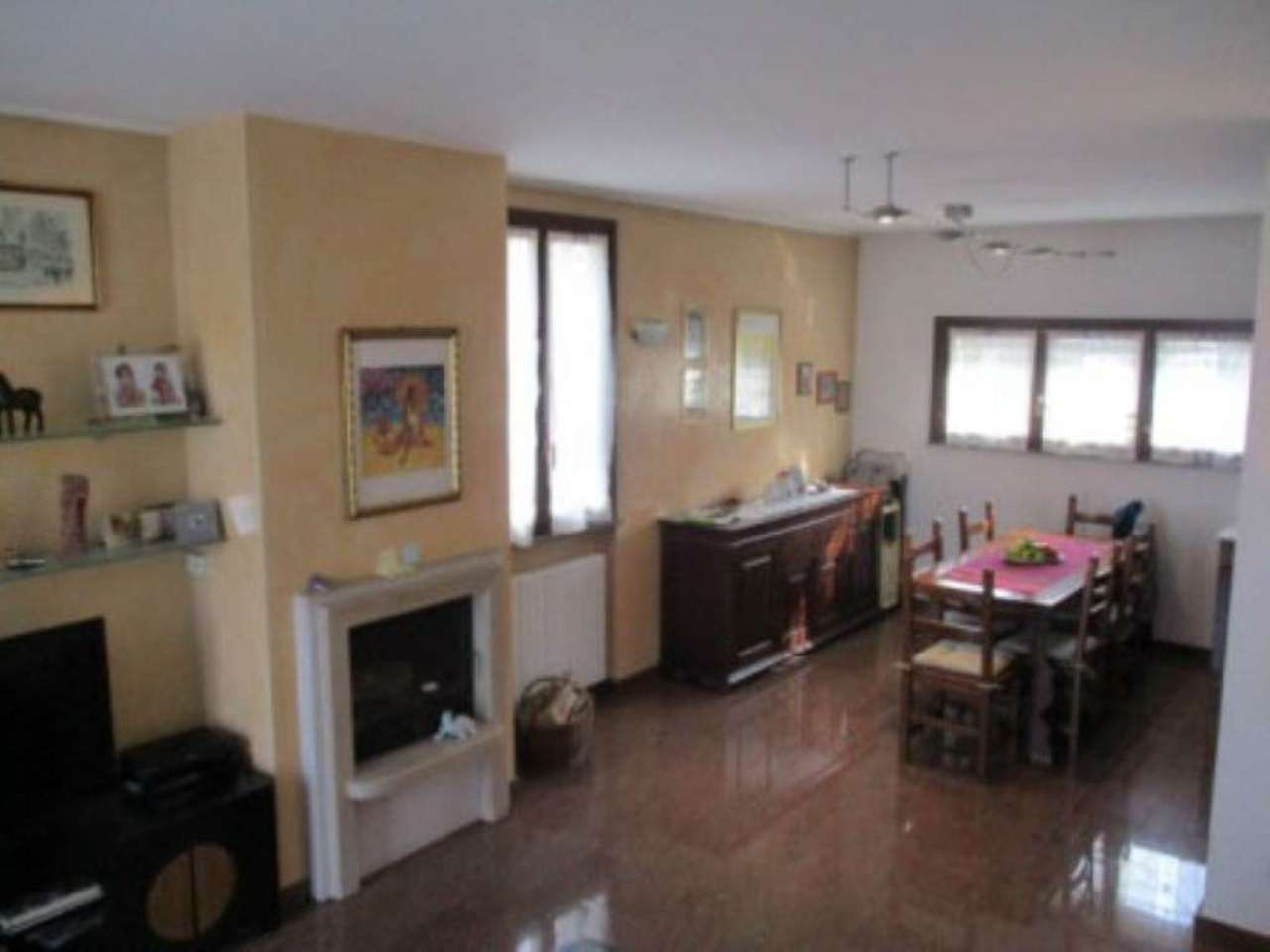 Villa in vendita a Fornovo San Giovanni, 4 locali, prezzo € 175.000 | Cambio Casa.it