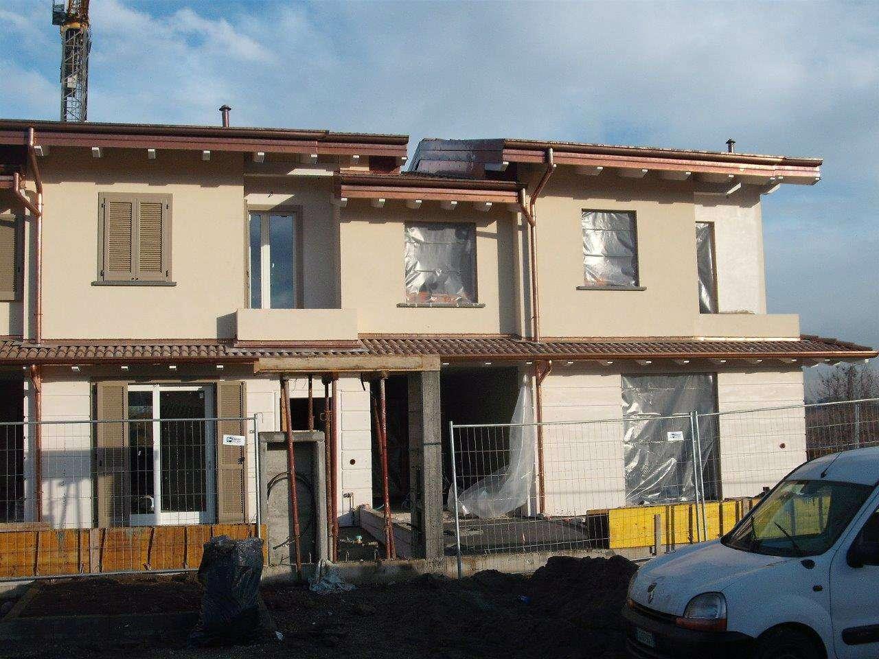 Villa in vendita a Caravaggio, 5 locali, prezzo € 250.000 | CambioCasa.it