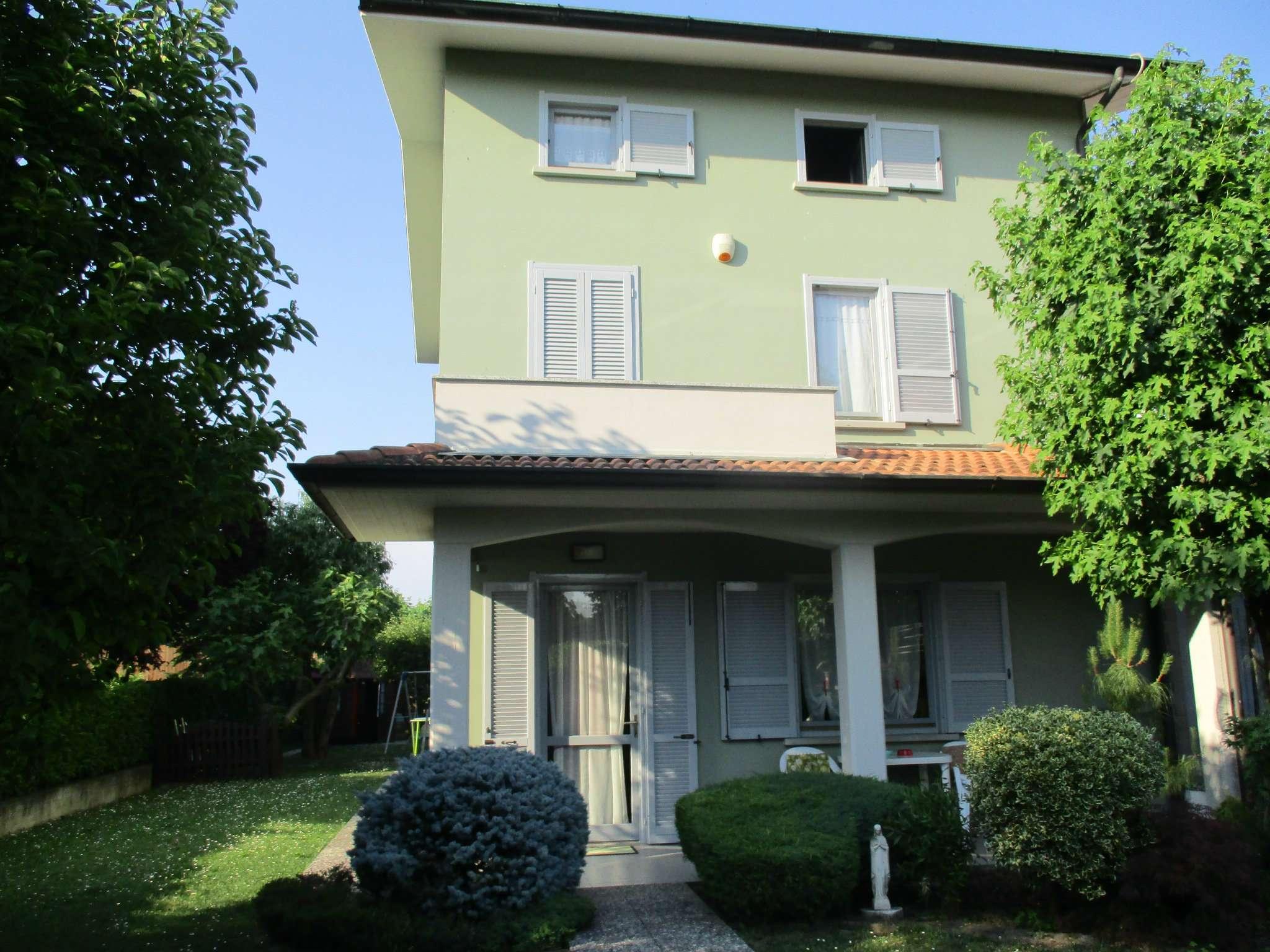 Villa in vendita a Mozzanica, 4 locali, prezzo € 260.000 | CambioCasa.it