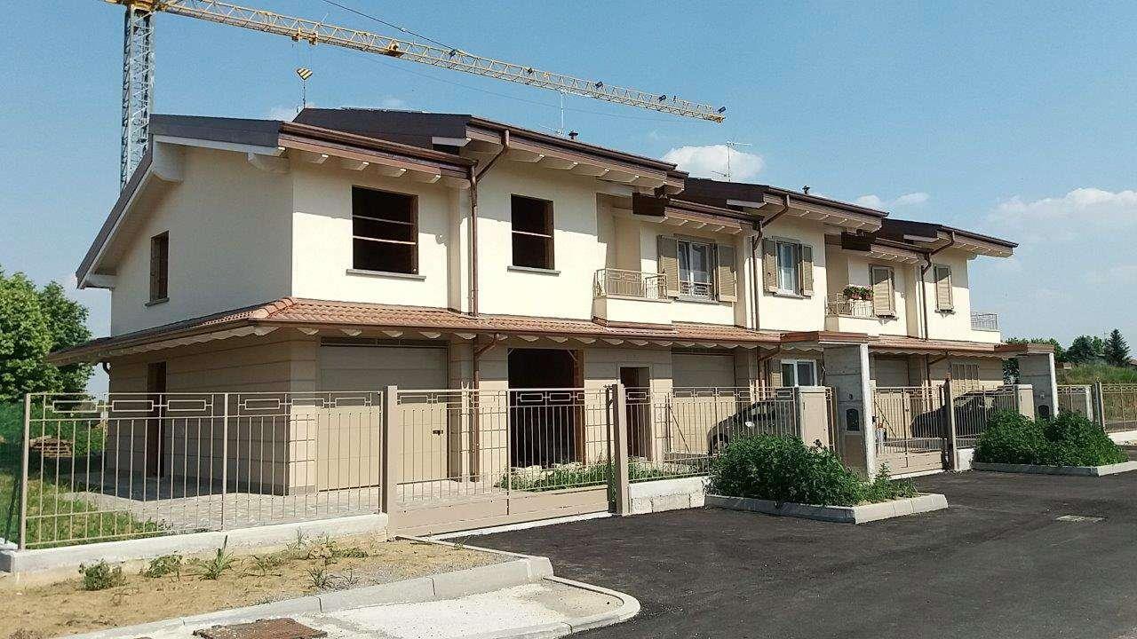 Villa in vendita a Caravaggio, 4 locali, prezzo € 235.000 | Cambio Casa.it