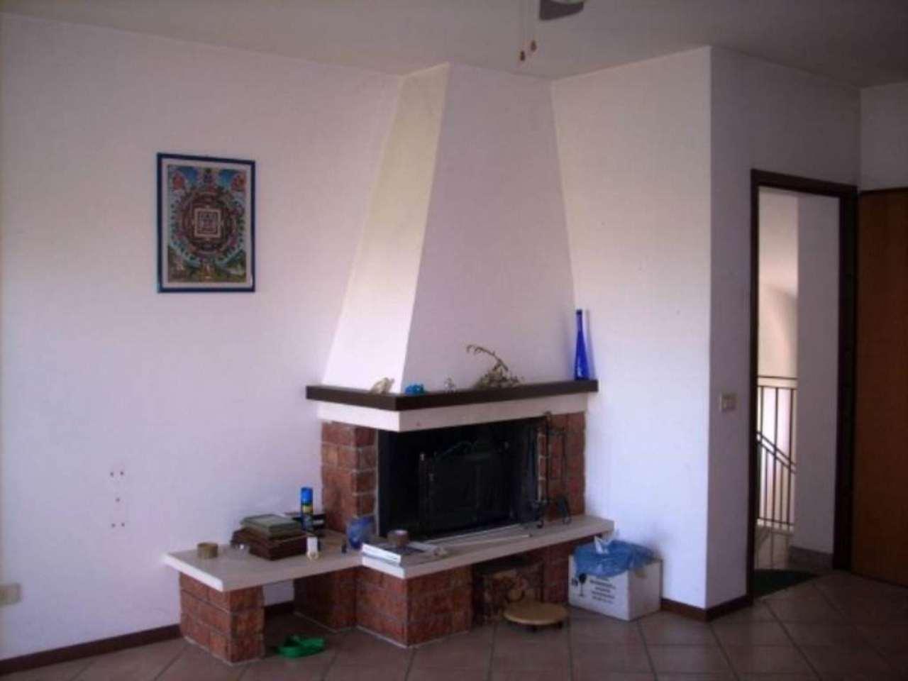 Appartamento in vendita a Mozzanica, 3 locali, prezzo € 100.000 | Cambio Casa.it