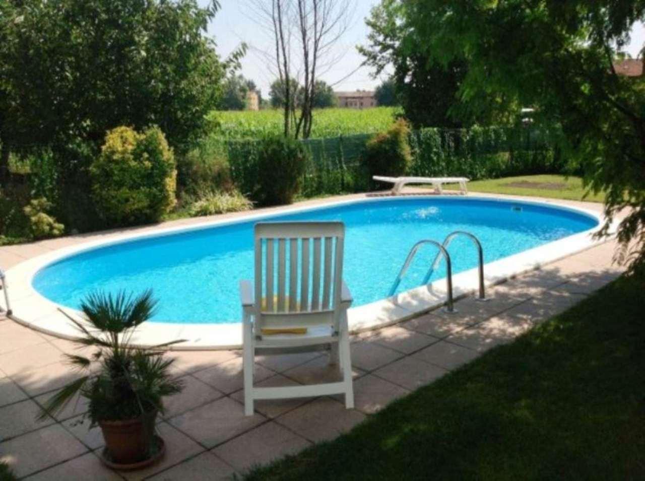 Villa in vendita a Caravaggio, 5 locali, prezzo € 215.000   Cambio Casa.it