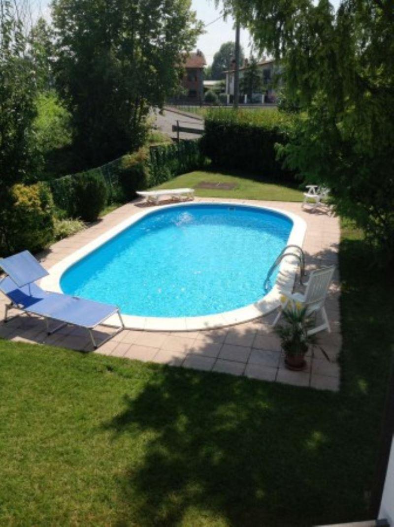 Villa in vendita a Fornovo San Giovanni, 5 locali, prezzo € 215.000 | Cambio Casa.it