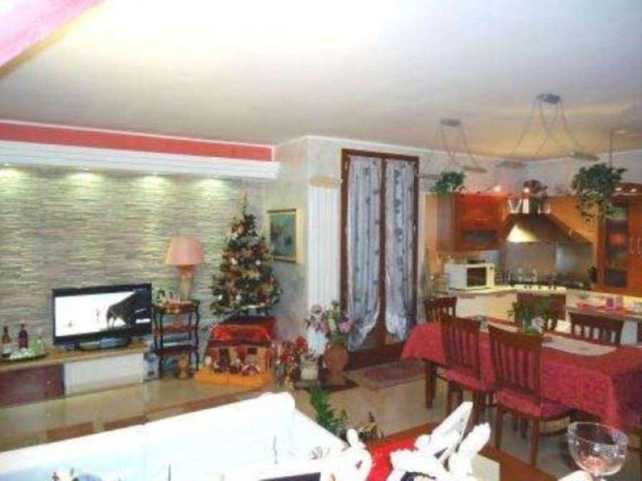 Villa in vendita a Caravaggio, 6 locali, prezzo € 440.000 | Cambio Casa.it