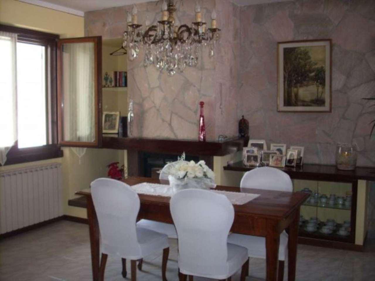 Villa in vendita a Caravaggio, 6 locali, prezzo € 365.000   CambioCasa.it