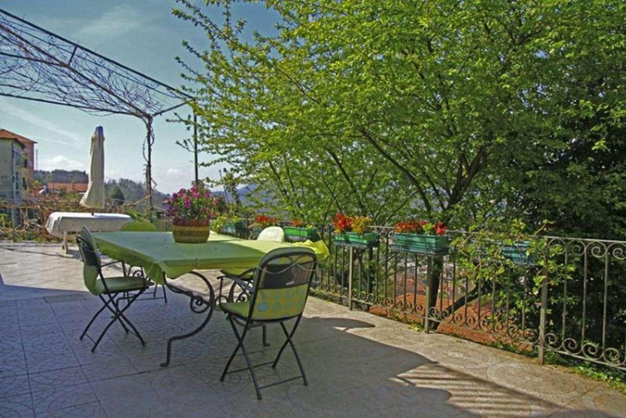 Villa in vendita a Serra Riccò, 5 locali, prezzo € 290.000 | CambioCasa.it